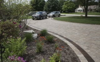 Driveway,-Brick-Paving,-Glenview-Hardscaping-Project