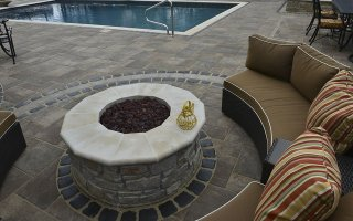 UNILOCK Beacon Hill Flagstone, Courtstone Sitting Area firepit