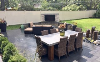 Outdoor Entertaining, Unilock Rivercrest Wall